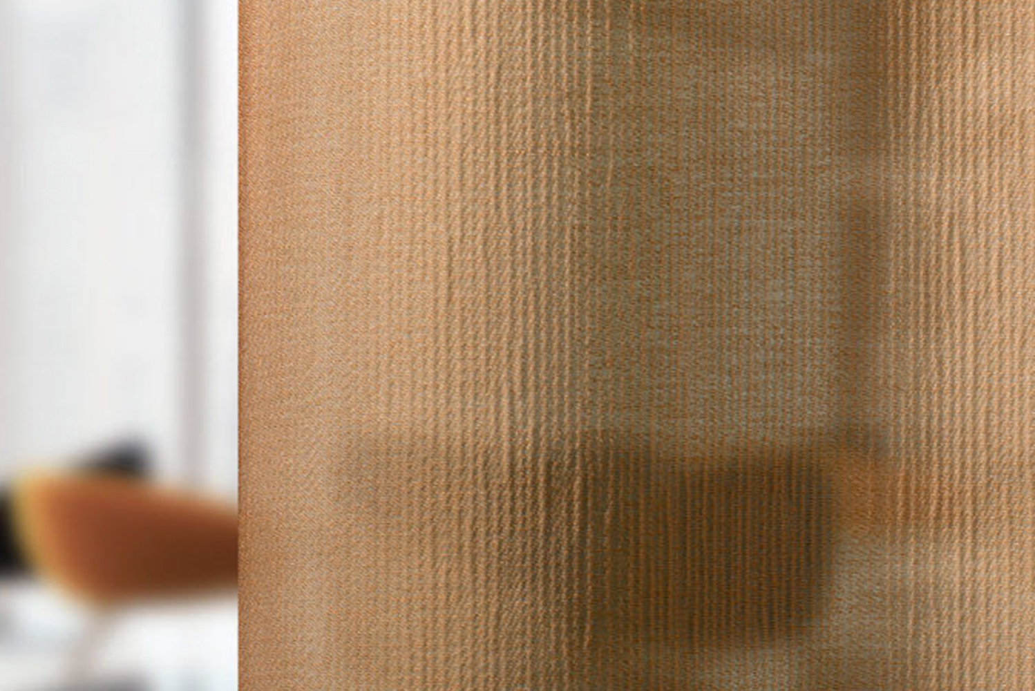 Tay is an extremely supple floor-to-ceiling curtain with a high sound absorption level (alphaw 0.6).