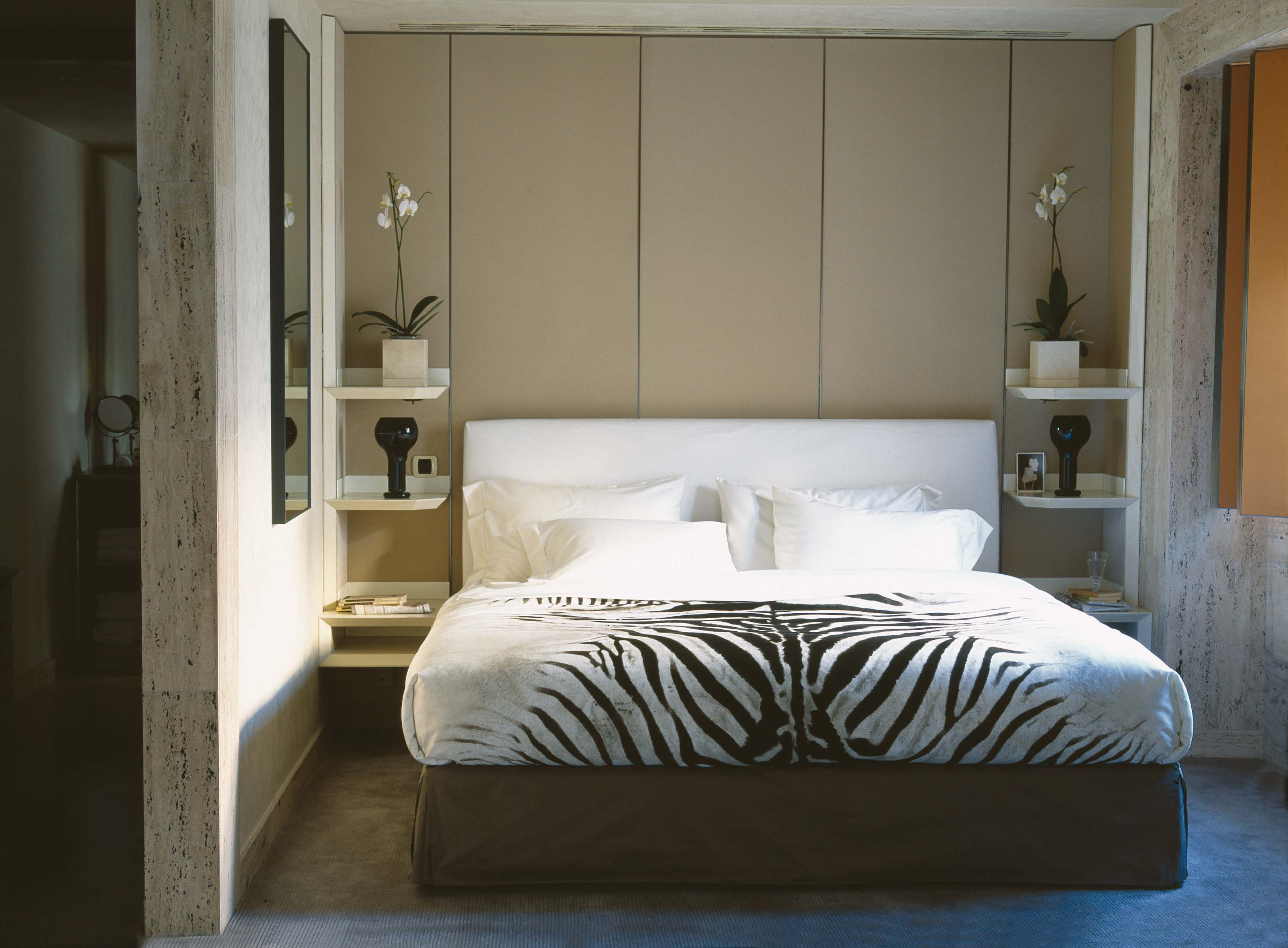 Mascioni's hotel collection uses a 200-thread-count percale for a crisp linen texture.