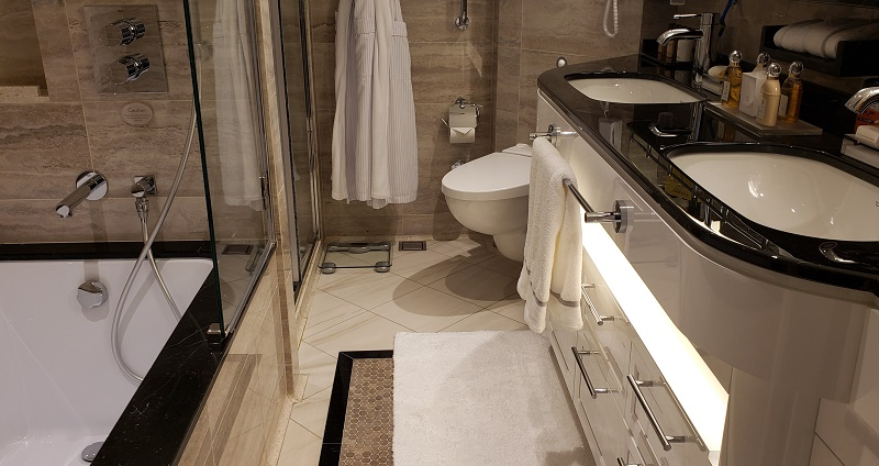 The bathroom in the Regent Suite's second bedroom. Photo by Susan J. Young