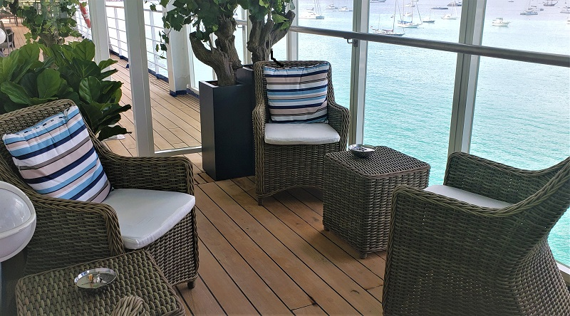 The Connoisseurs Club now has an outside lounge. Photo by Susan J. Young