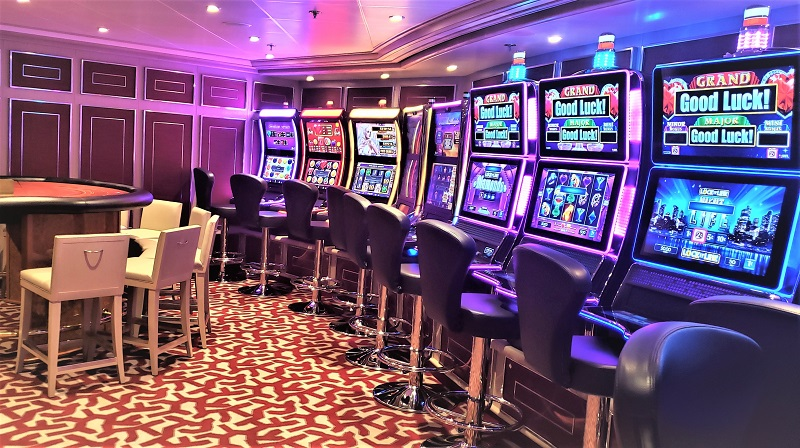 Silver Shadow's casino has two gaming tables and slot machines.  Photo by Susan J. Young
