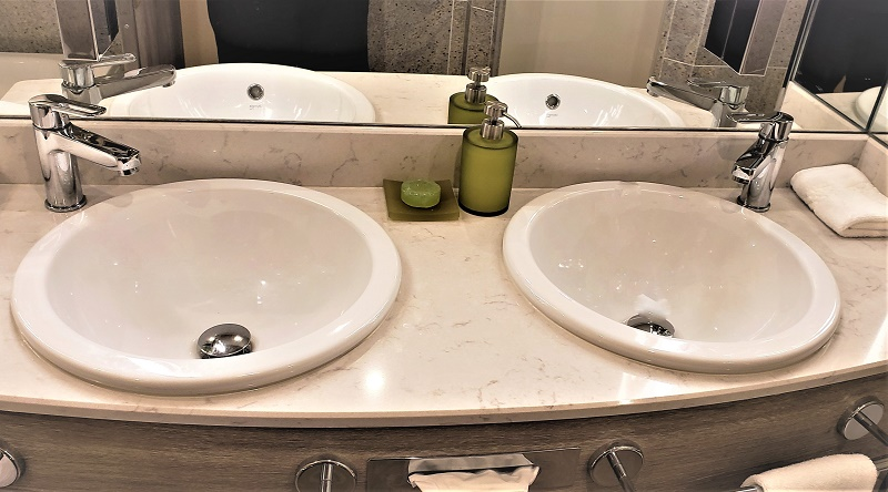 Double sinks in #812 Verandah Suite. Photo by Susan J. Young