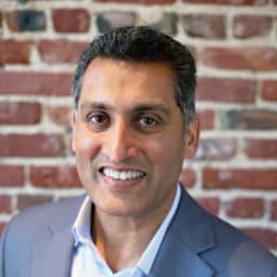 headshot photo of Ashish Gupta