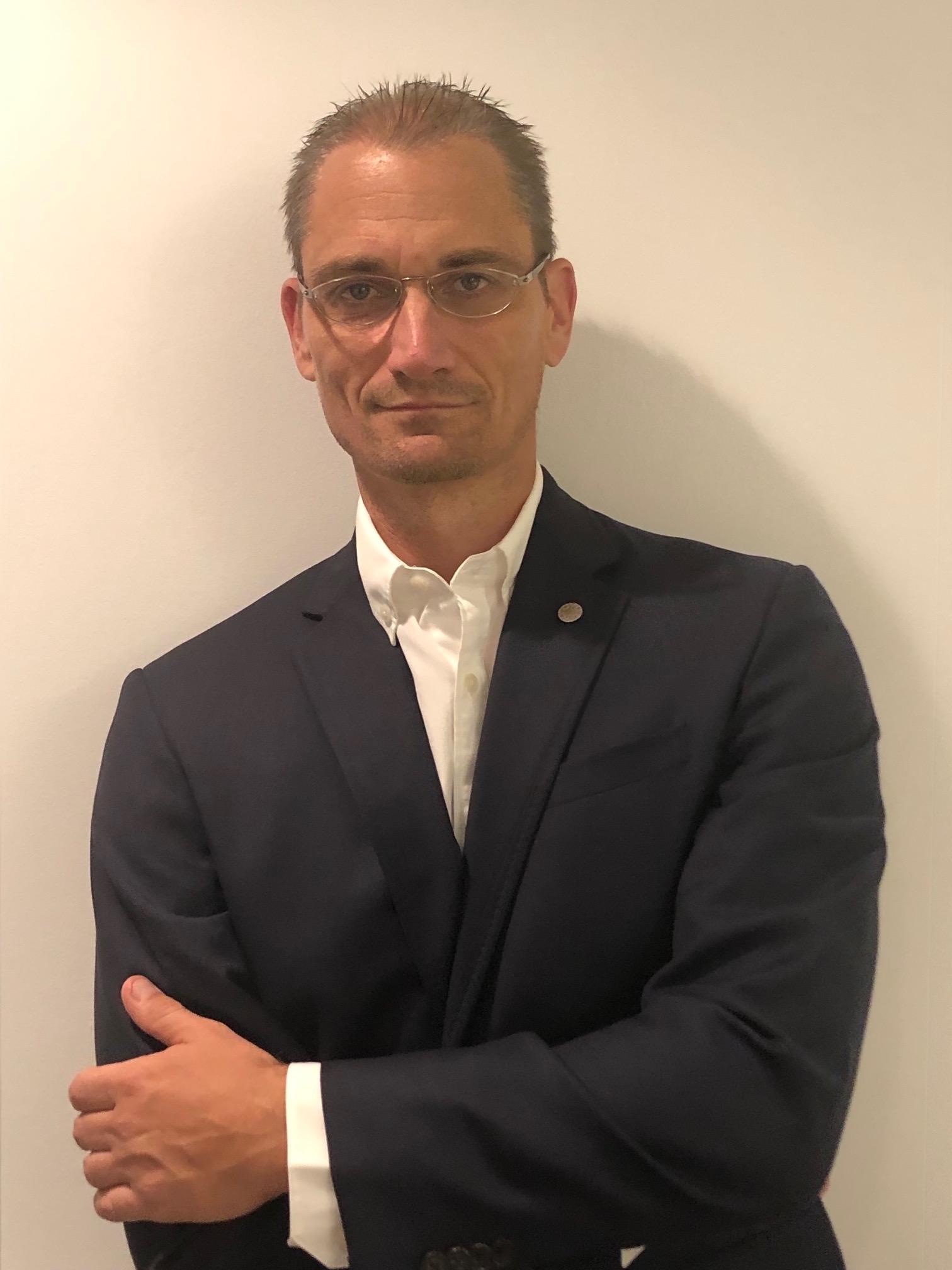 James Schildknecht