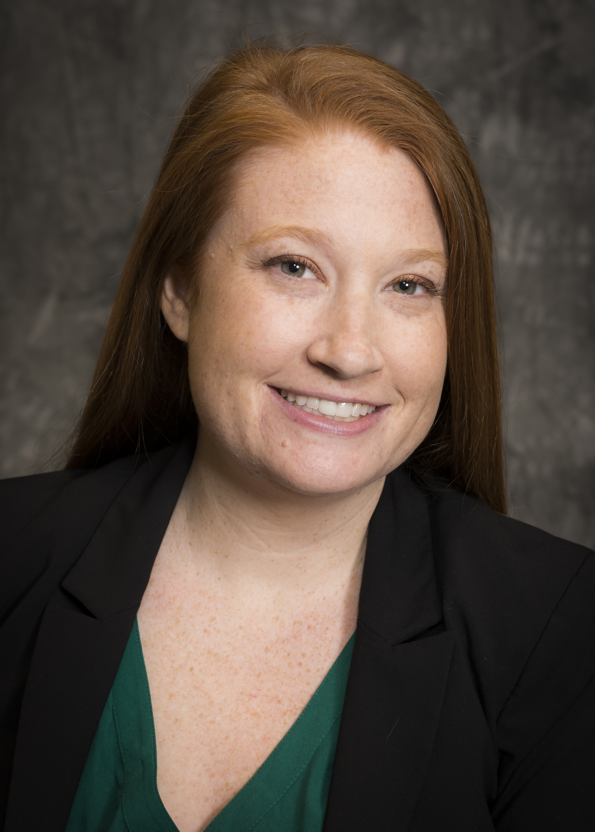 head shot photo of Leslie Krigstein