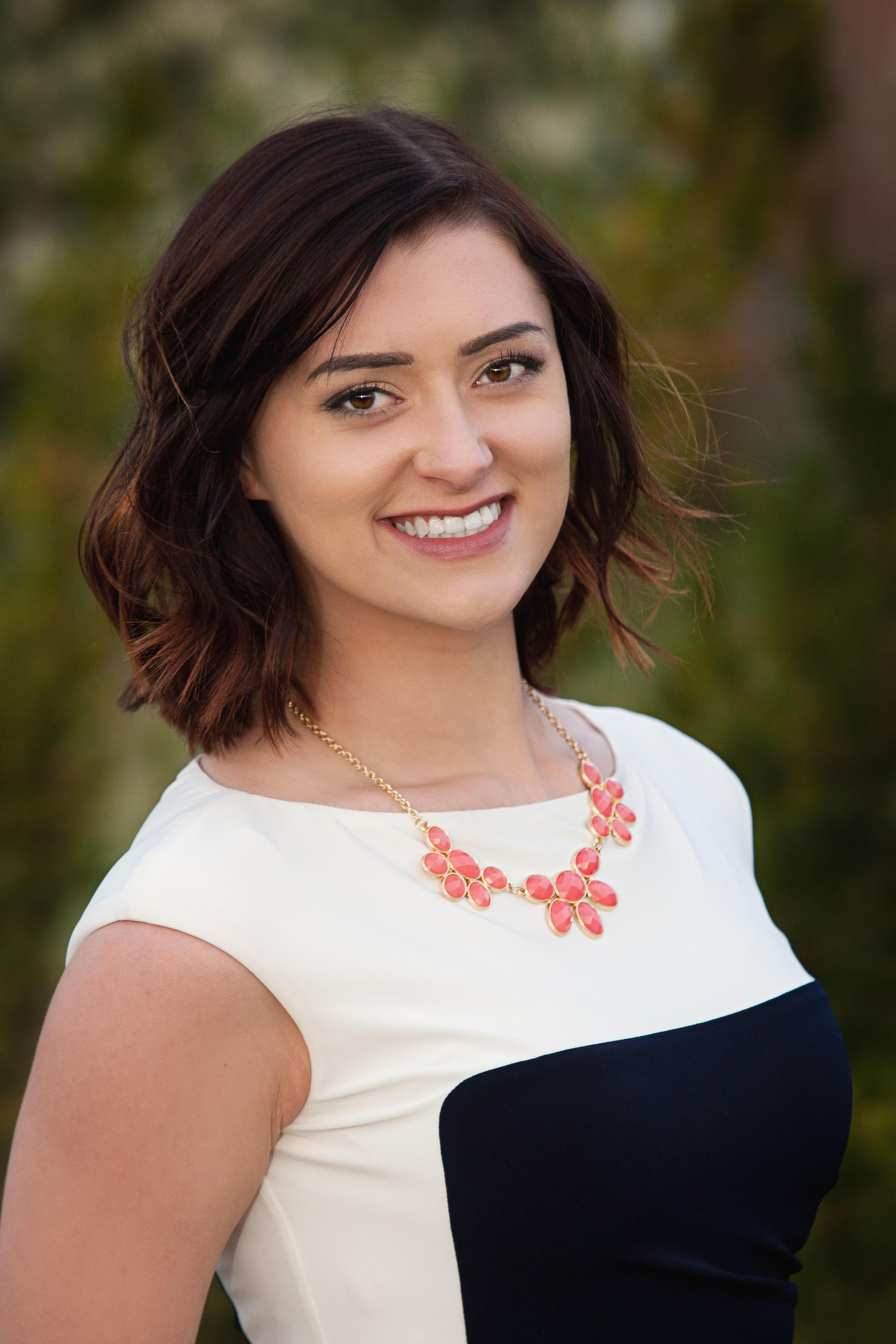 headshot of Lexi Argyle
