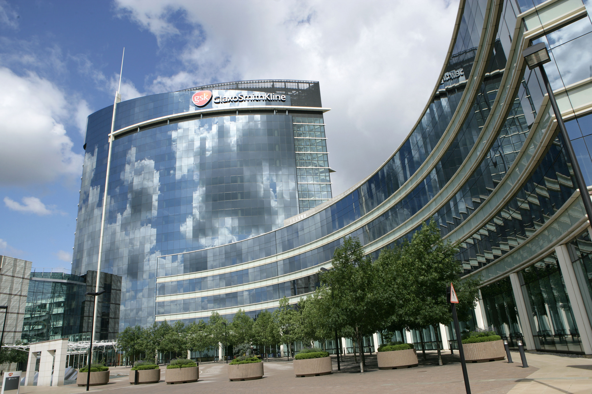 Doctor payments back on the table at GlaxoSmithKline with rollback of its total ban