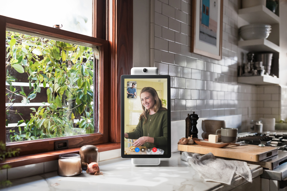 Facebook pursues Disney, Netflix support for TV video chat device - report
