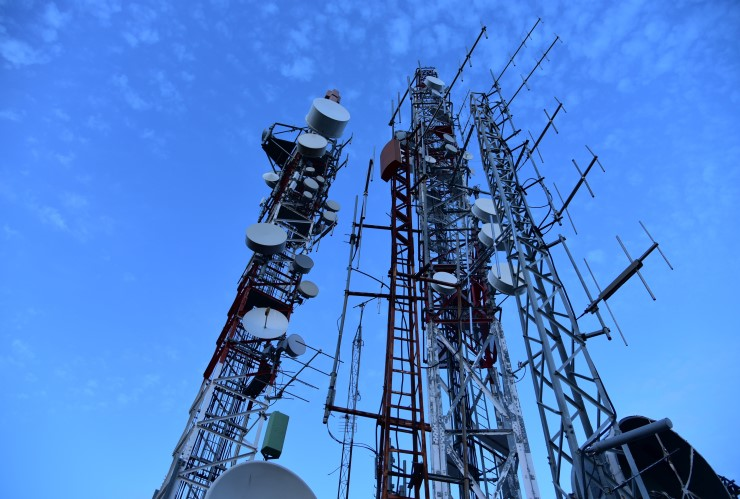 American Tower, Crown, SBA get bump from T-Mobile deal