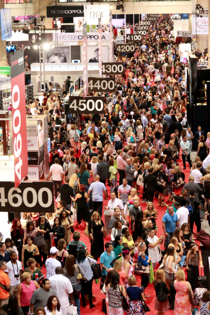 #PremiereOrlando, on the biggest exhibit floor in North America. Can you feel the energy?  (Image Premiere Orlando)