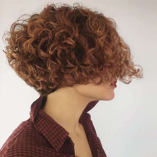 Bobs can be curly! From Mike Varela @thekingly_hairgroup