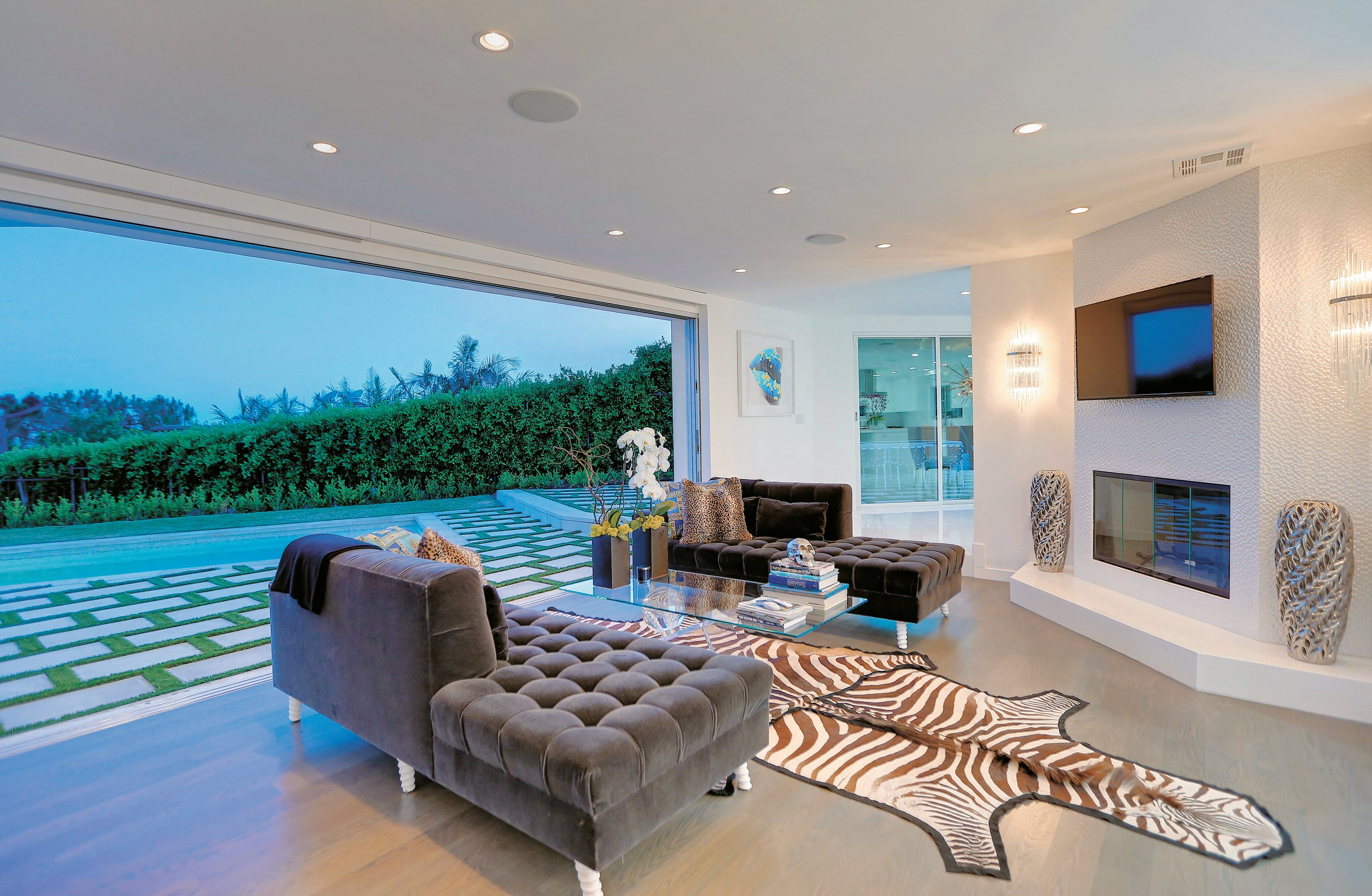 The living room with its panoramic view of Los Angeles
