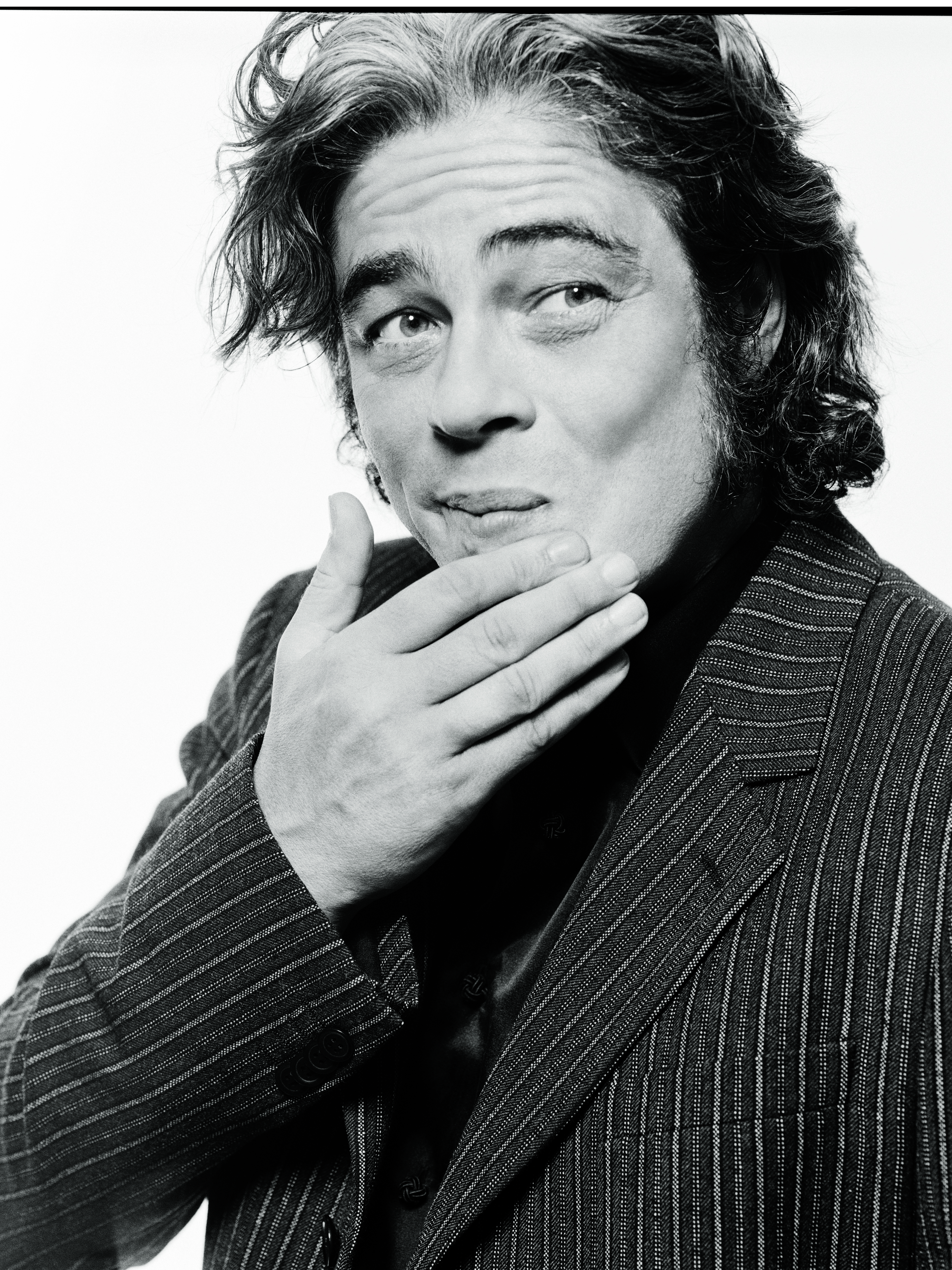 In 2003, Raccuglia photographed Benicio del Toro in Los Angeles, the same year that his hit films The Hunted and 21 Grams were in theaters. Del Toro was nominated for an Academy Award for Best Supporting Actor for his role in the crime drama 21 Grams.