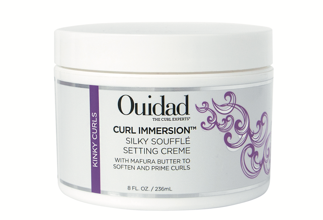 Ouidad  Curl Immersion Silky Soufflé Setting Crème primes and defines kinky curls with lightweight polymers and a blend of natural oils.