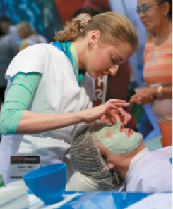 An attendee gets a Repêchage facial