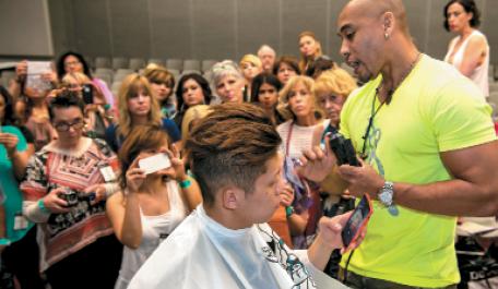 Mario Tennyu shares barbering techniques