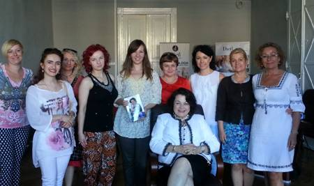 Lydia Sarfati with Repêchage clients in Cracow, Poland