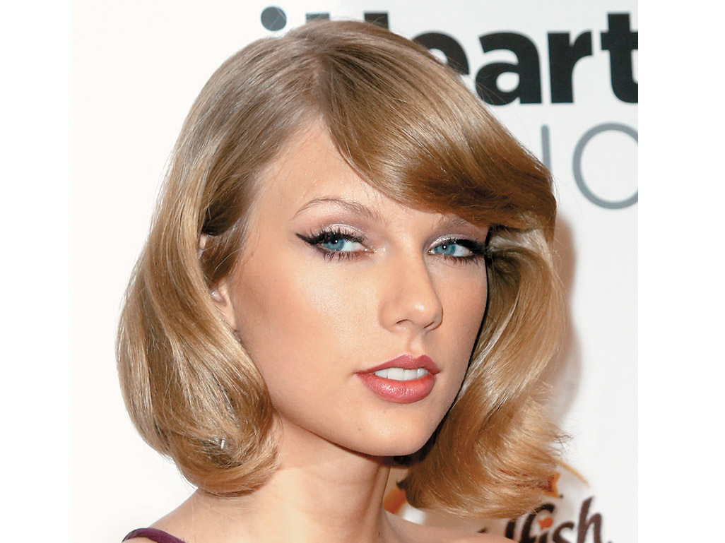 In Studio Beth Minardi Shares Tips For Duplicating Taylor Swifts