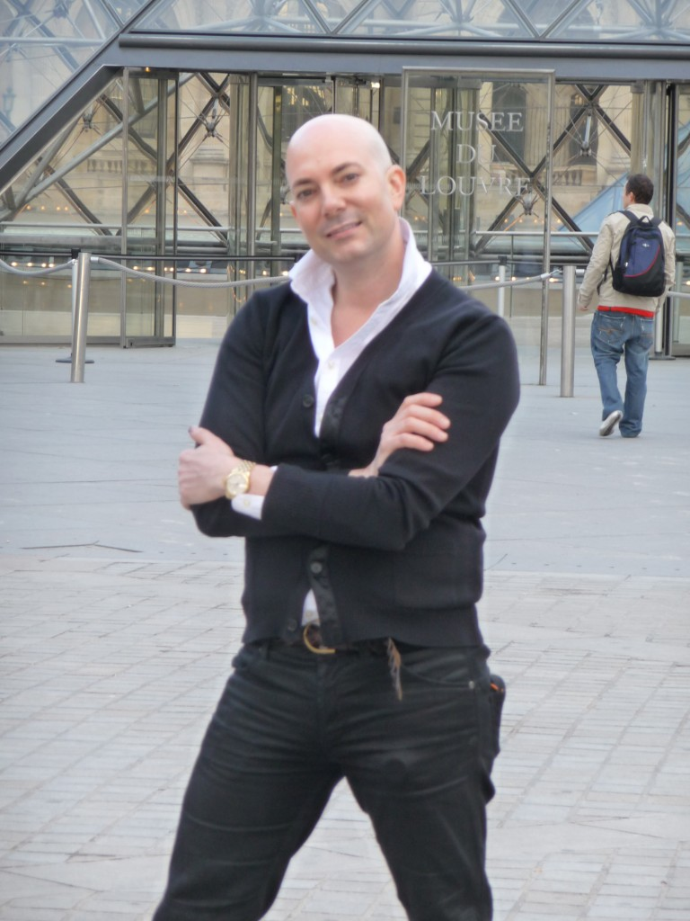 David in front of the Louvre