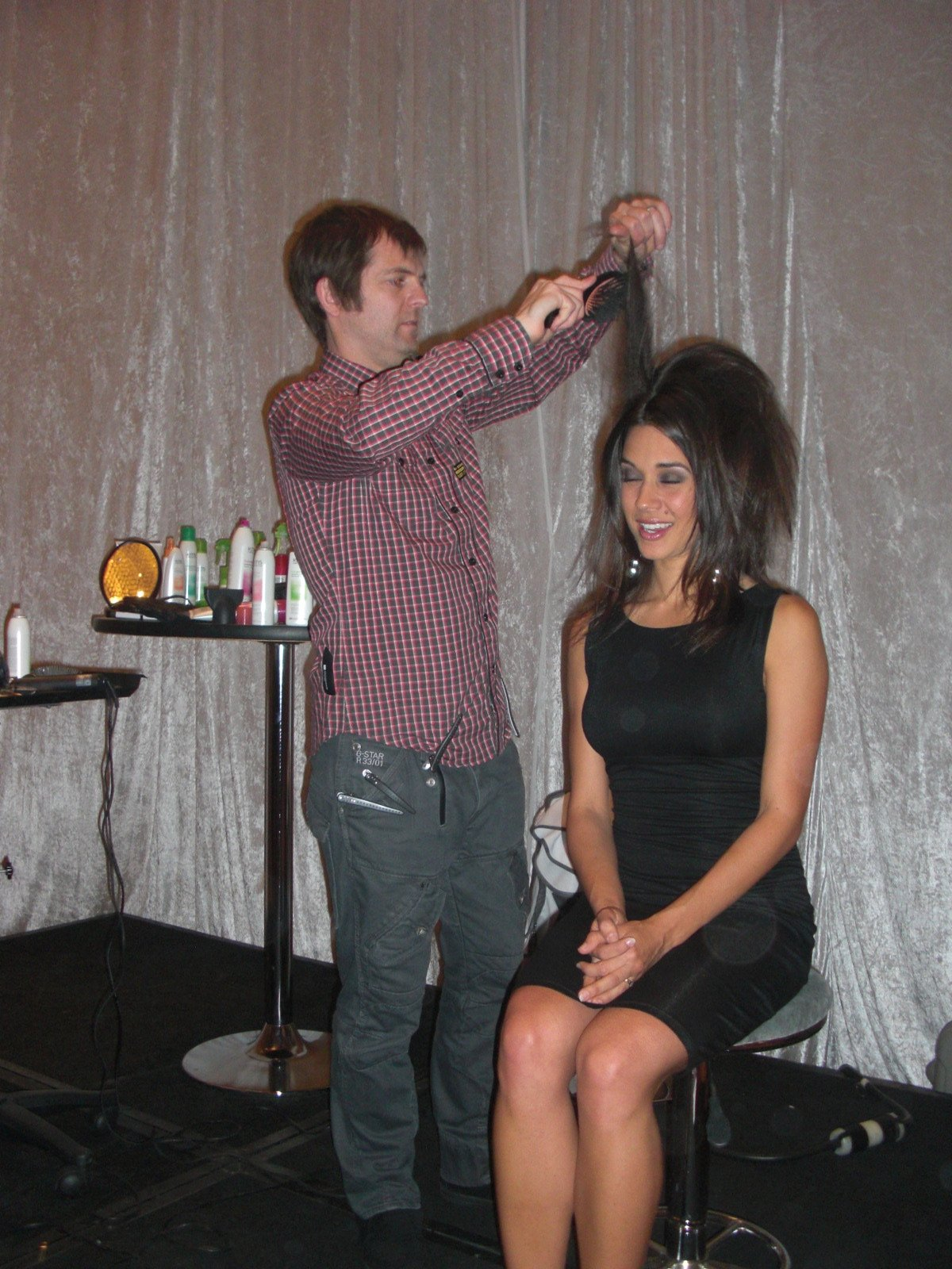KMS International Artistic Director Edwin Johnston doing hair in the KMS California Gifting Suite