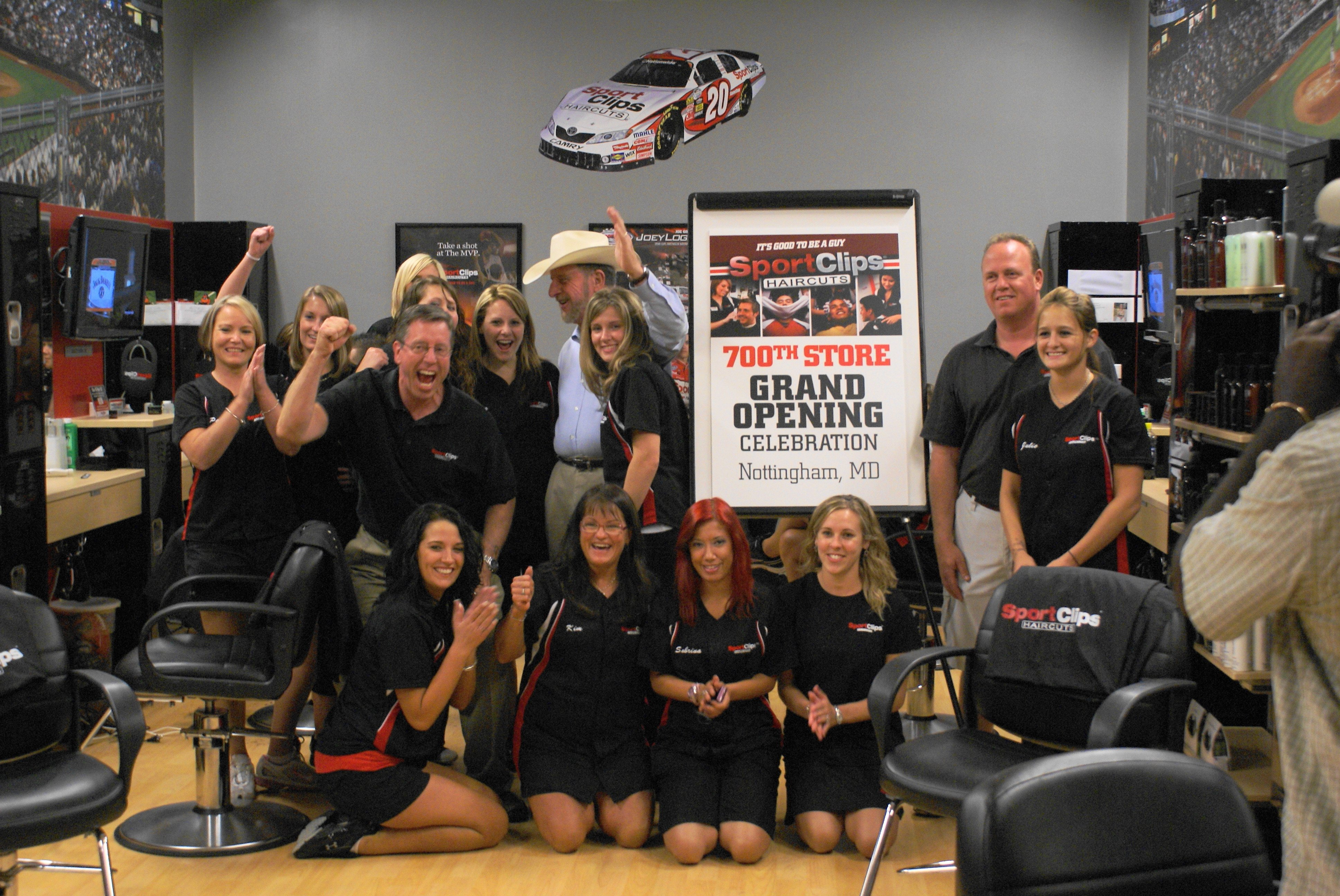 clips sport sportclips 700th opens location record salon team