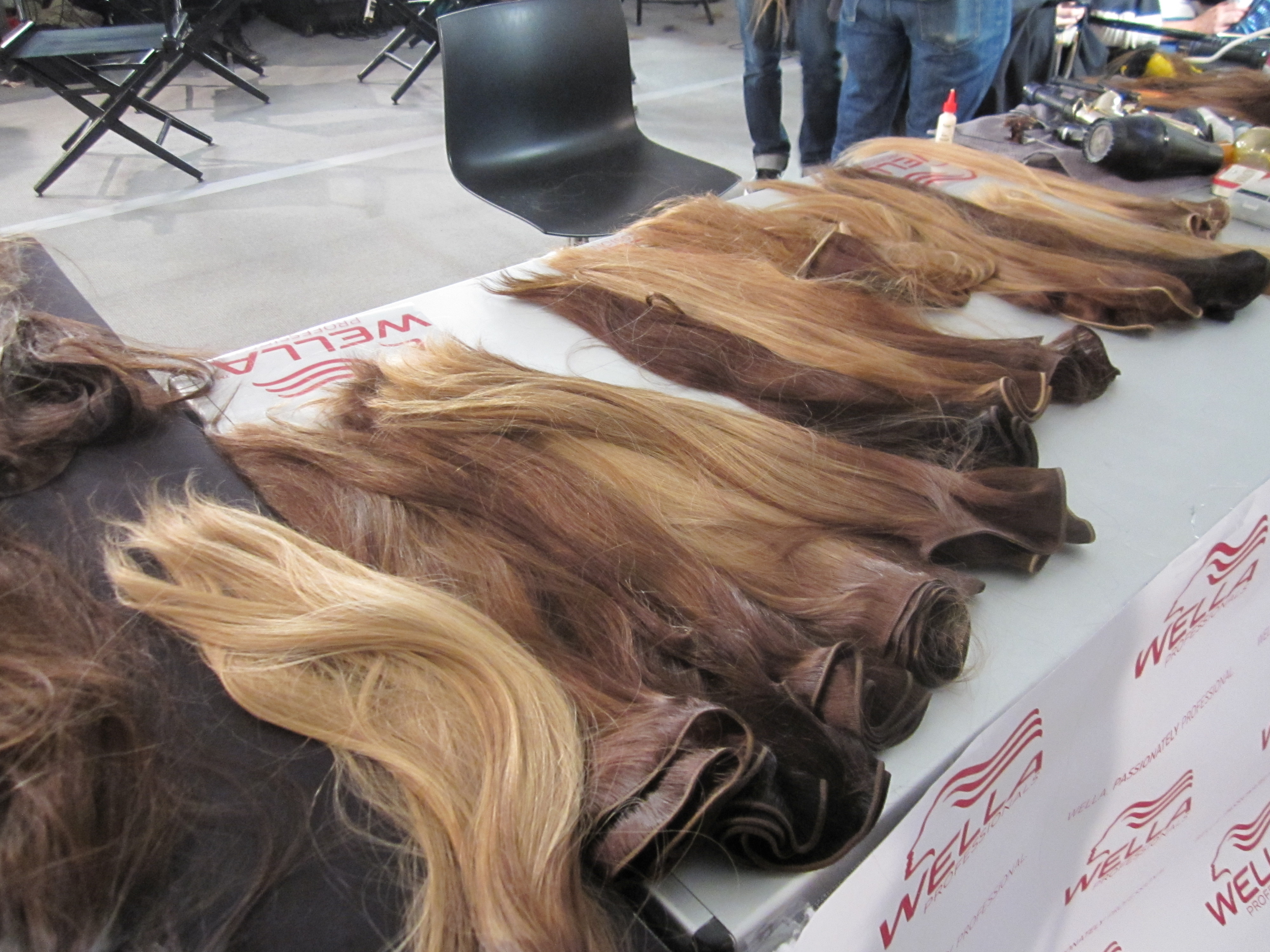 The ombred wefts of hair colored by Aura Friedman