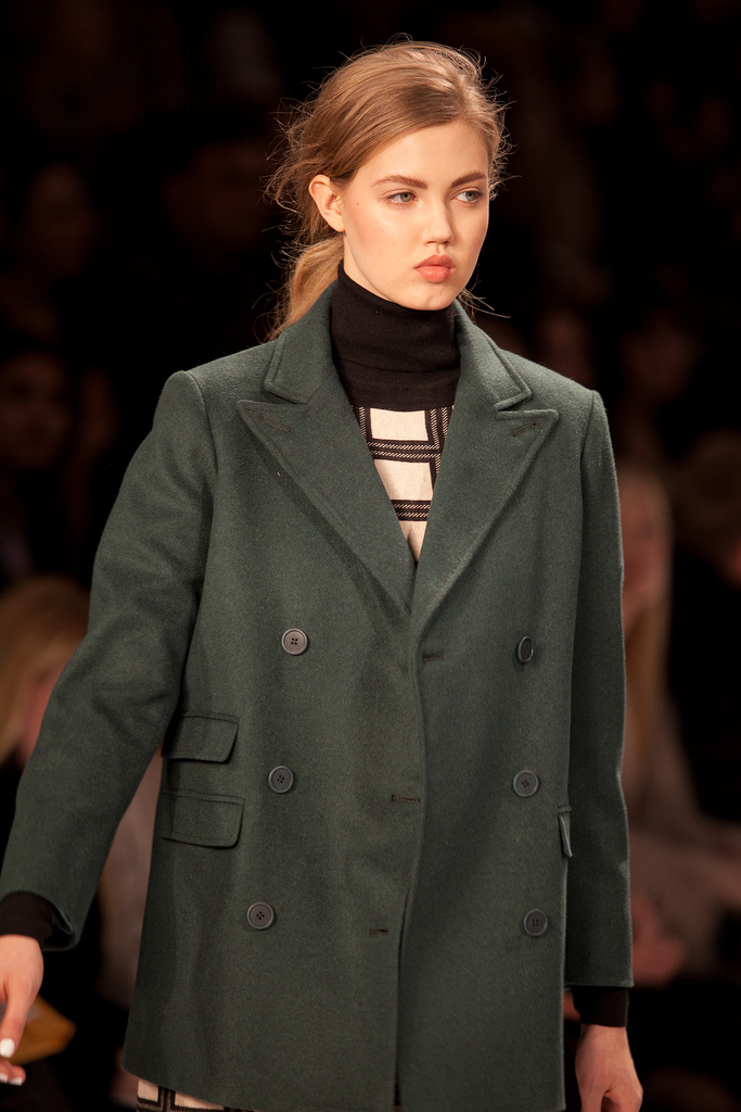 Bold graphics and over sized coats ruled the runway