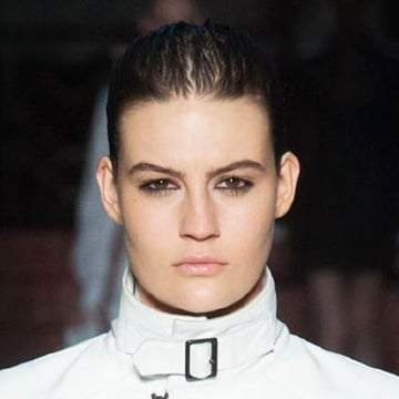 Final runway wet-hair look.