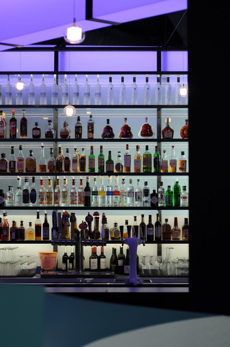 Stir Martini & Raw Bar Bellevue, Wash.