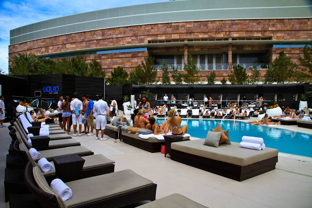 Liquid Pool Lounge Las Vegas