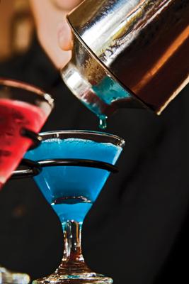 Martini pouring