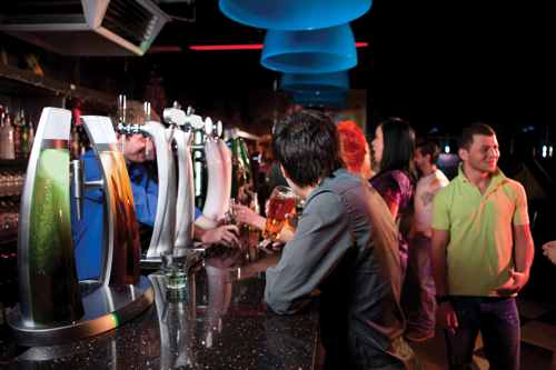 Millennial beer drinkers at bar