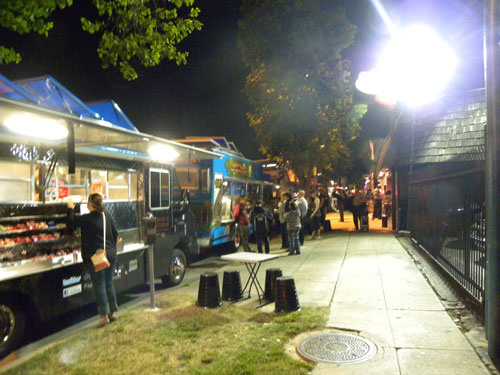 Skinny's Lounge Food Truck Happy Hour