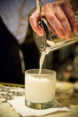 Pisco Sour Pour