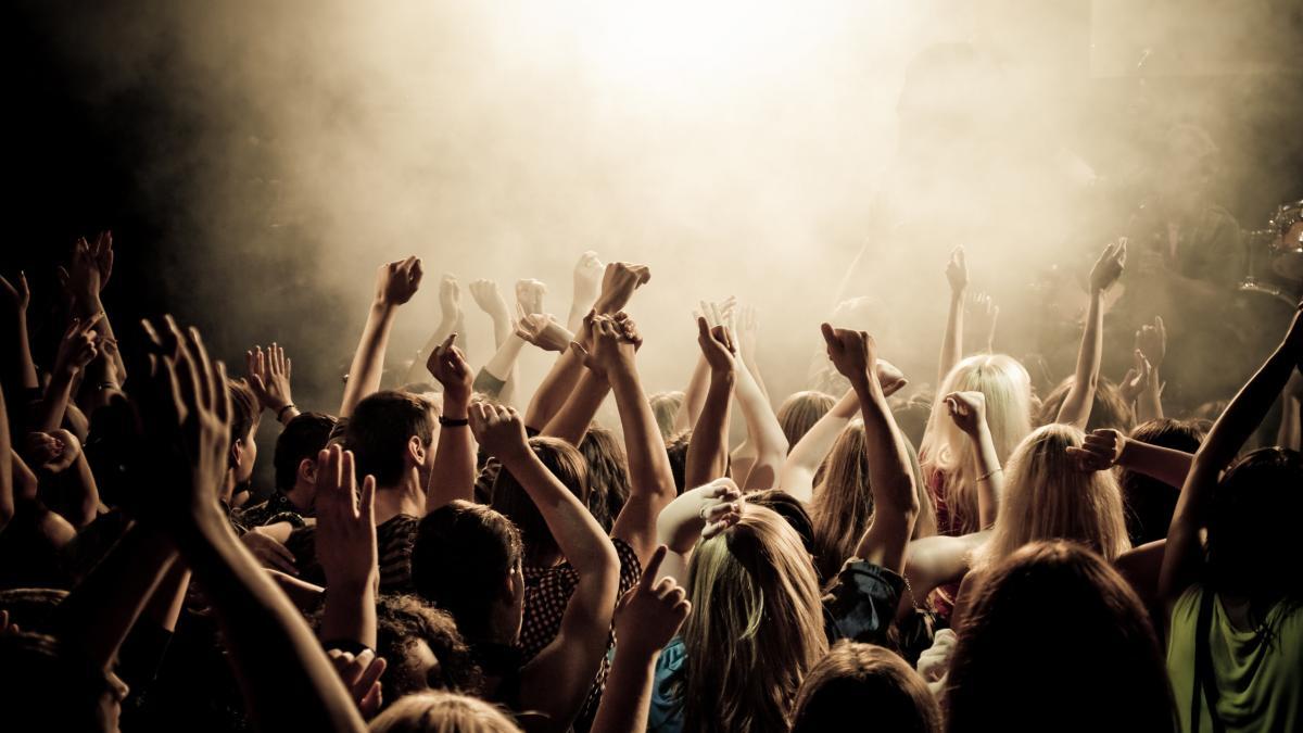 Nightlife Audience / Nightlife Crowd