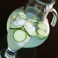 Virgin Cucumber Mojito made by Tammy Gulgren