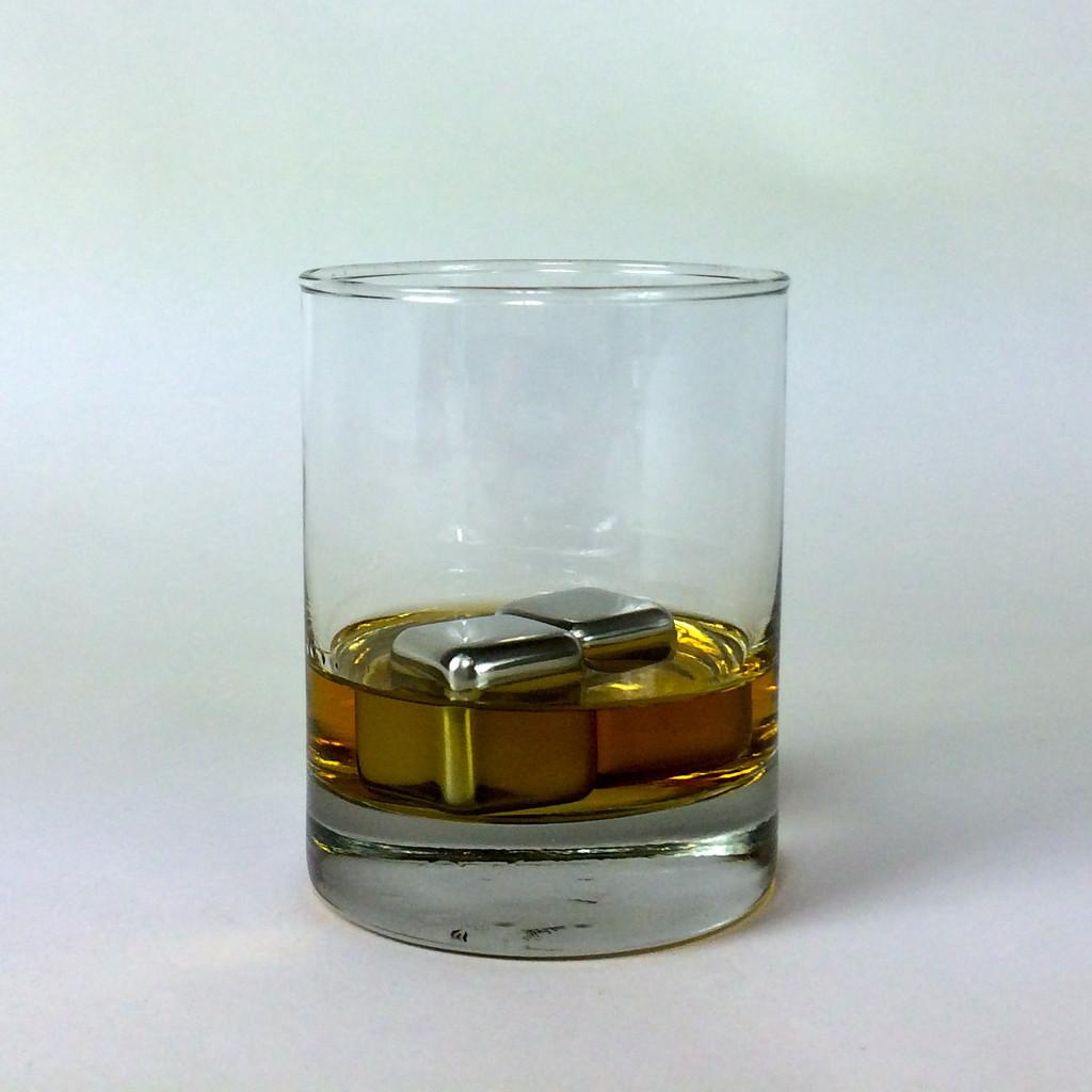New Booze Joulies Regulate Cold Liquids