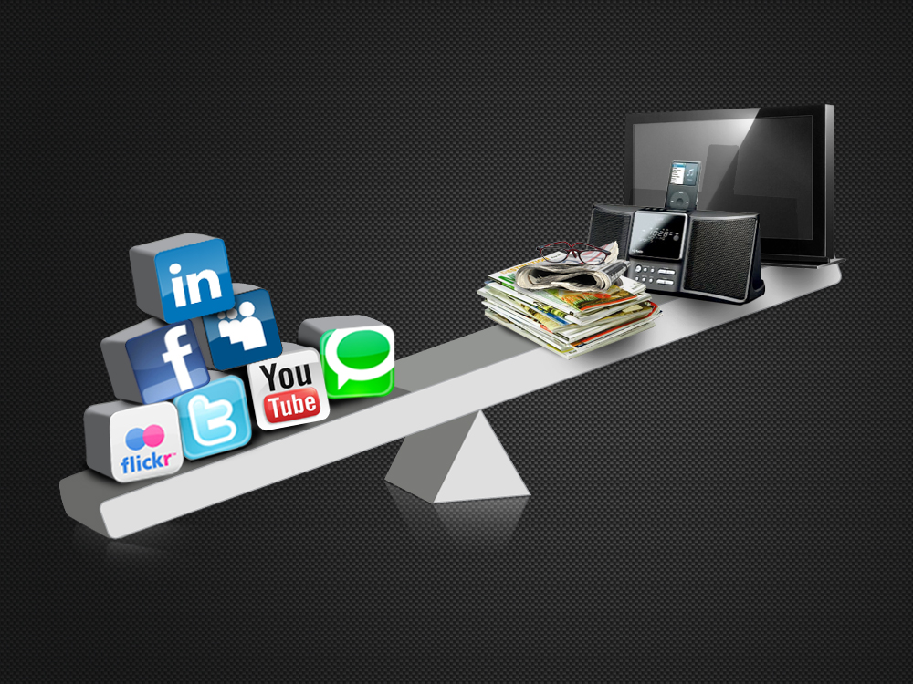 Traditional and Social Media Marketing Strategies for Bars and Restaurants