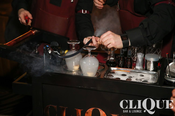 Tableside mixology and smoked cocktails - CliQue Bar & Lounge Las Vegas