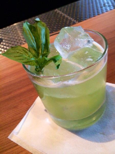 Better cocktail garnish - Fun bar ideas