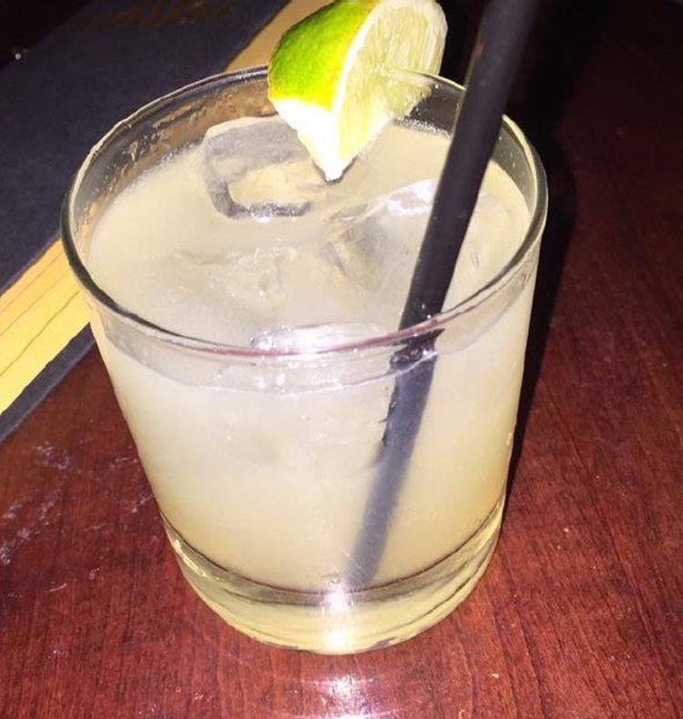 Boring cocktail garnish - Fun bar ideas
