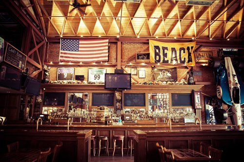 Legends Sports Bar in Long Beach - Top sports bars in the United States