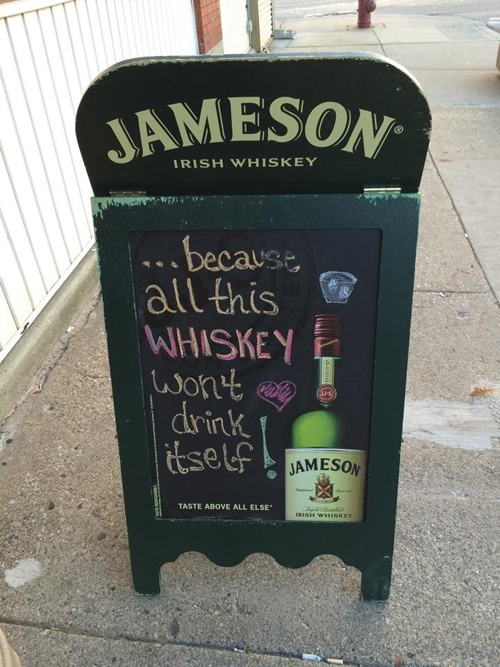 Thomas Magee's happy hour - Sports bar promotions