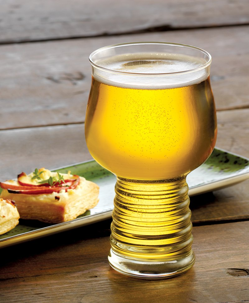 Libbey Hard Cider glass delivers hard cider with a beer-like experience