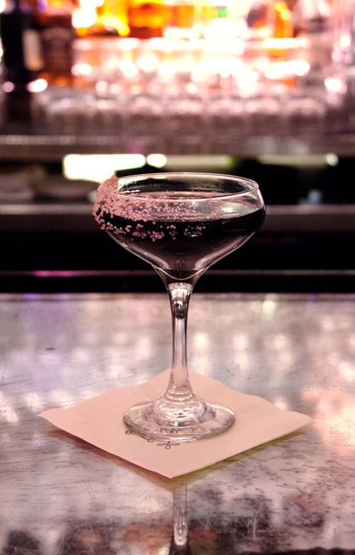Black Tie White Noise cocktail recipe - Black and dark cocktails
