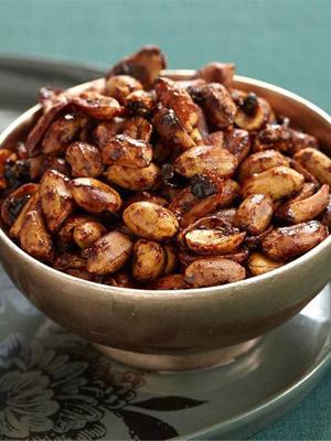 Maple-Glazed Peanuts & Bacon food recipe - Black Wednesday 2016 recipes