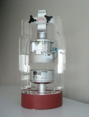 Figure 1. A demonstration model of the PowerbyProxi technology