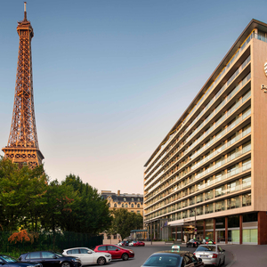 Paris Pullman Eiffel Tower