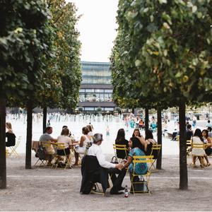 London street tables