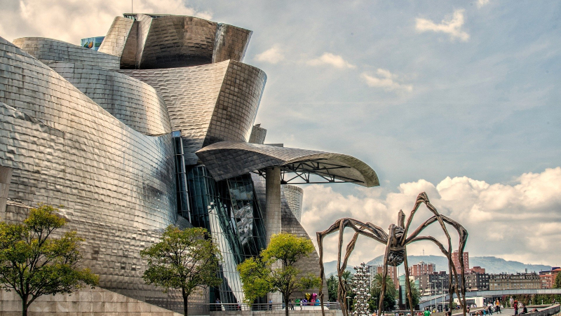 A picture of the Guggenheim in Bilbao, Spain